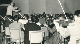 Rios Reyna dirigiendo la Orquesta Sinfónica de Venezuela