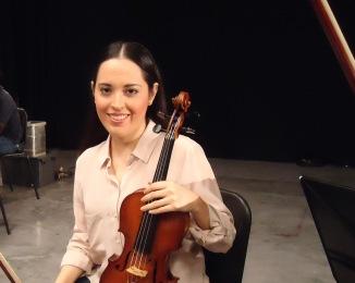 Isabel Camacho - Grabando música sinfónica - skynotestudio.com